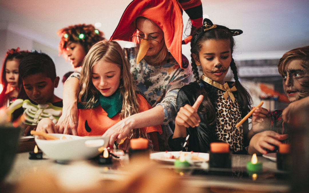 4 Ways for Adults and Kids to Enjoy Halloween Treats
